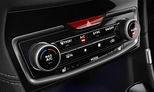 左右独立温度調整機能付フルオートエアコン