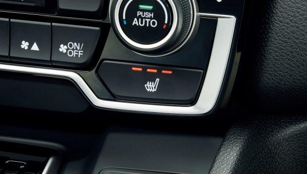 運転席&助⼿席シートヒーター