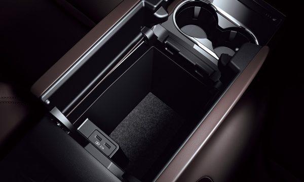 Lパッケ-ジセカンドシートコンソールボックス