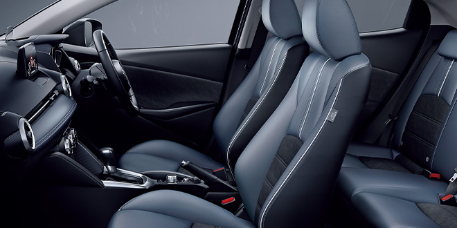 運転席6Wayパワーシート&ドライビングポジションメモリー機能
